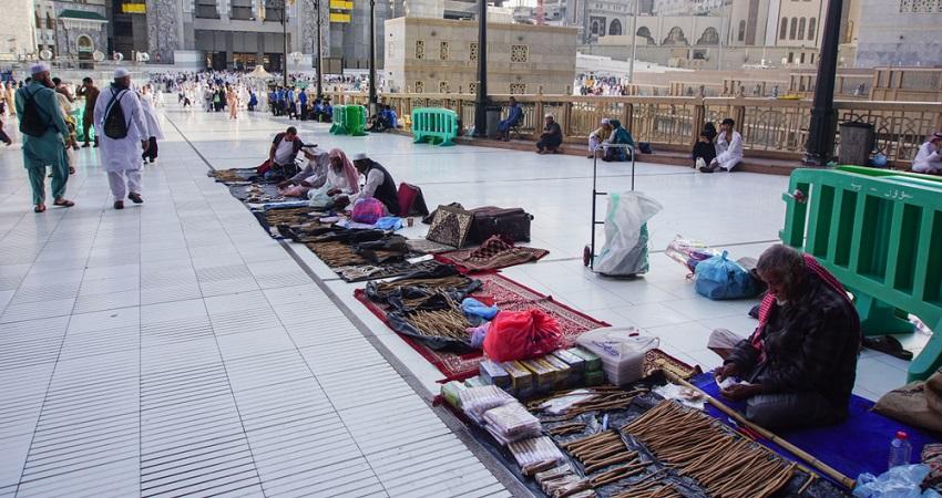shopping-in-makkah-madinah
