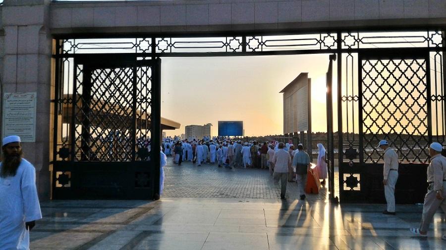 cemetery-jannat-al-baqi